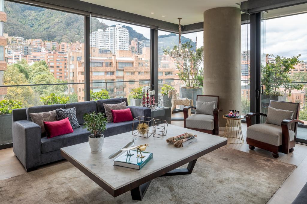 Un apartamento en el barrio La Cabrera en Bogotá que le rinde homenaje a la calidez y la sobriedad